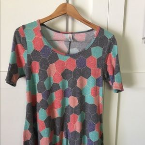 LuLaRoe Perfect Tee size small